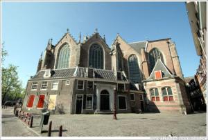 amsterdam-red-light-oude-kerk-back-large